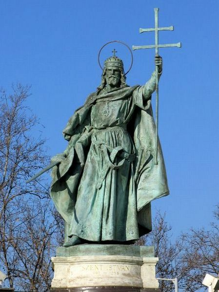Den hellige Stefan, fra millenniumsminnesmerket (Millenáriumi Emlékmű) (896-1896) på Helteplassen (Hősök tere) i Budapest